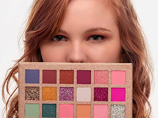 EpiLynx by Dr Liia Eye Shadow Palette 18 Blendable and Highly Pigmented Shades Includes Matte and Sparkle Colors for All Occasions Gluten Free Vegan 0 540x405 c